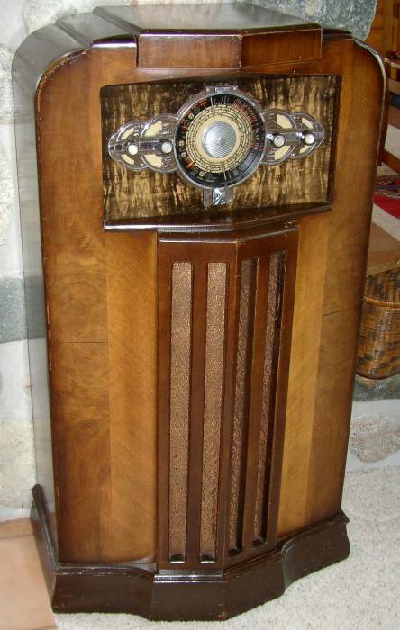 Collection also Philco Radio Wiring Diagram also Vintage Crosley Jewelbox Tube Radio Metal Case 804 additionally Great Old Crosley Radio Tube 66 Tc American likewise Great Old Crosley Radio Tube 66 Tc American. on old crosley radio value