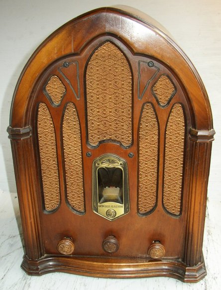 General Electric GE Model J-82 Cathedral 8 Tube Radio - Stone Vintage Radio Museum - Antique Radios, Wireless, Crystal Sets